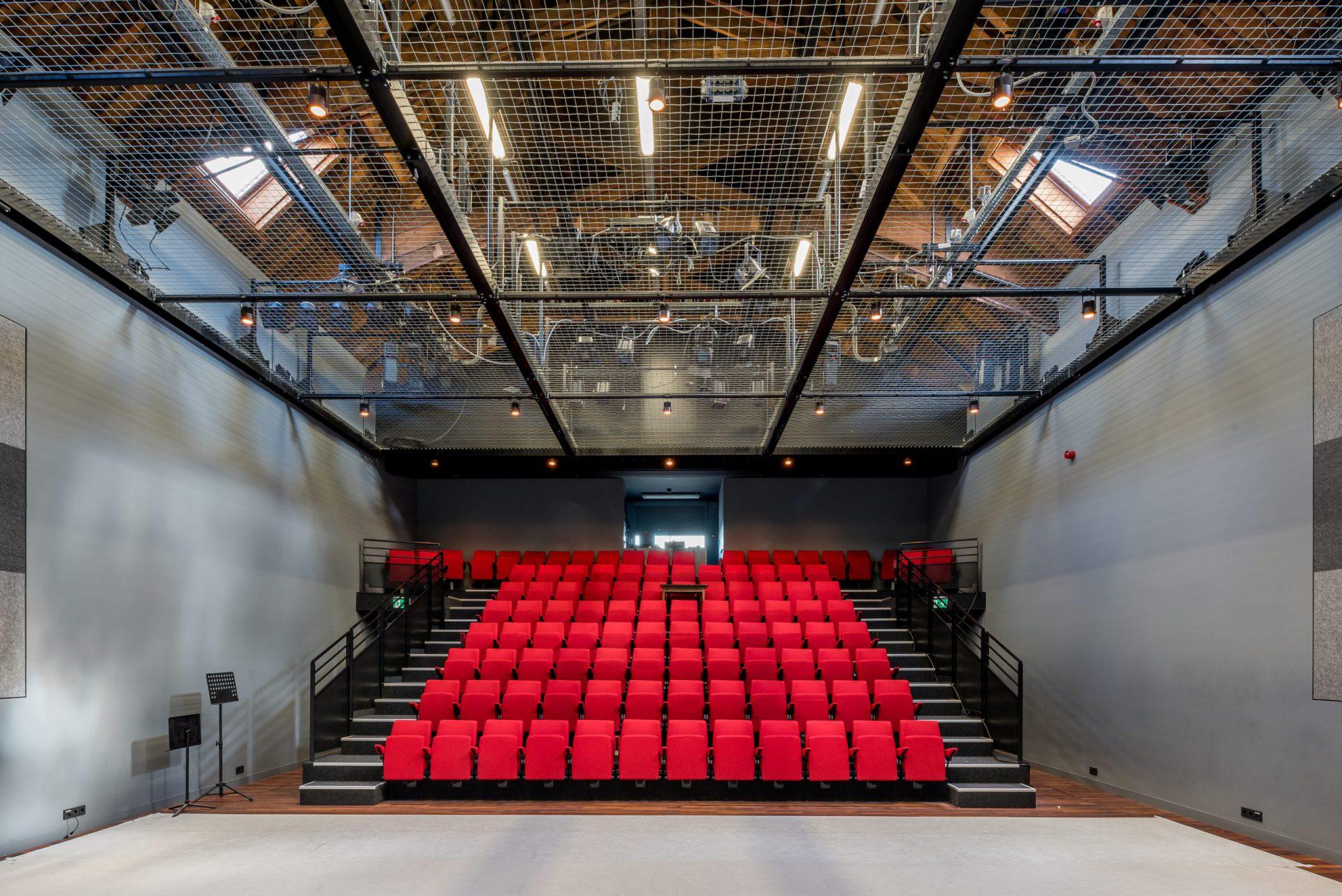 Bovenzaal Theater a/d Rijn - foto Jan de Vries