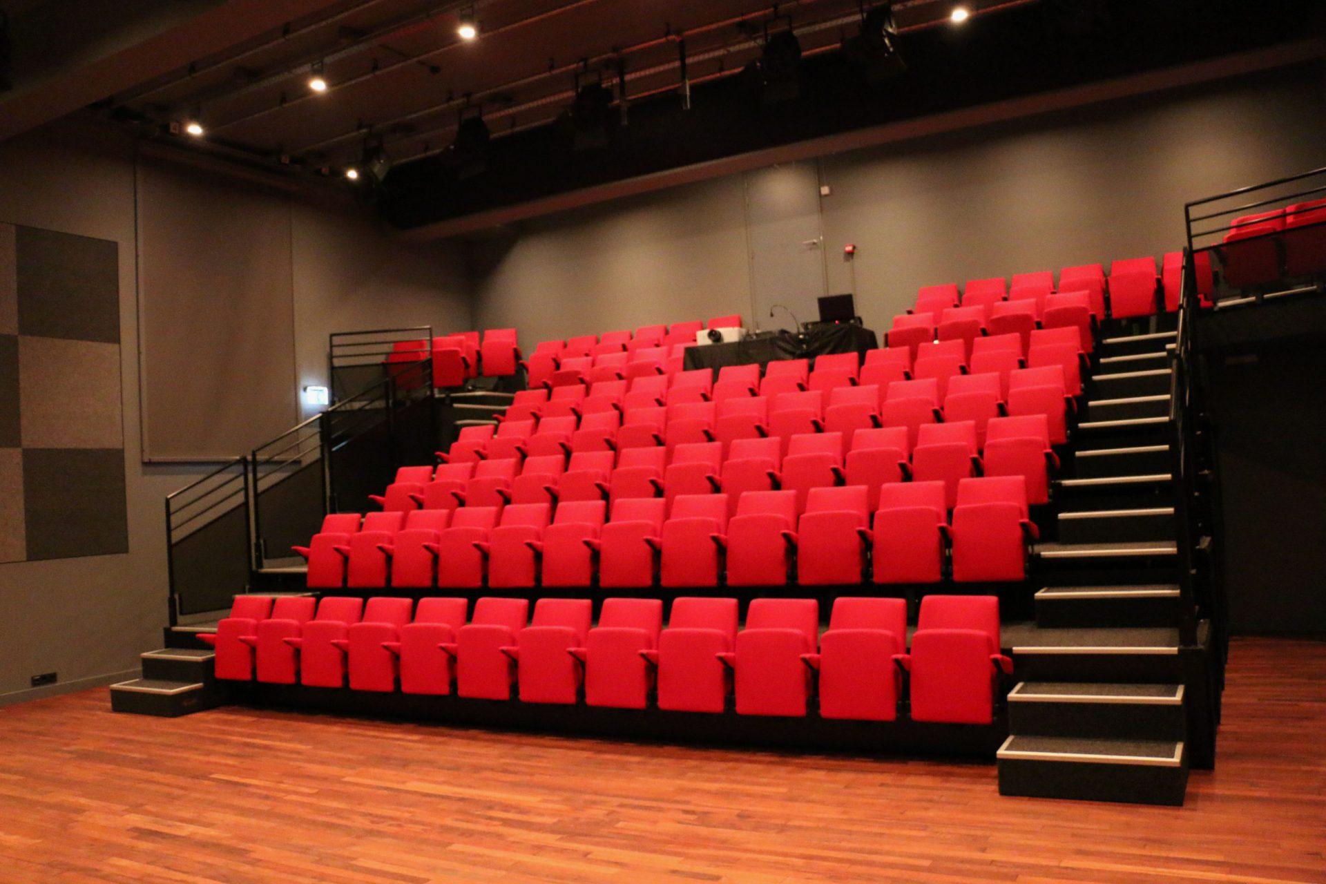 Benedenzaal Theater a/d Rijn - foto Menno van der Meulen